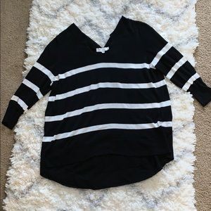 Two by Vince Camuto Large black & white sweater